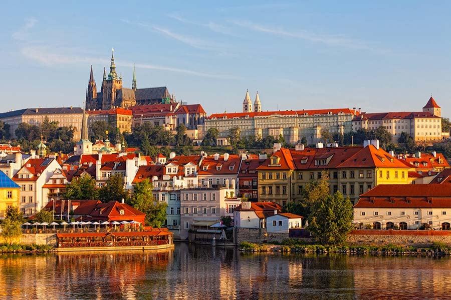 Do Pragi cztery razy w tygodniu